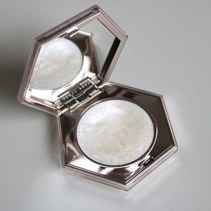 Fenty diamond bomb all-over diamond veil highlight
